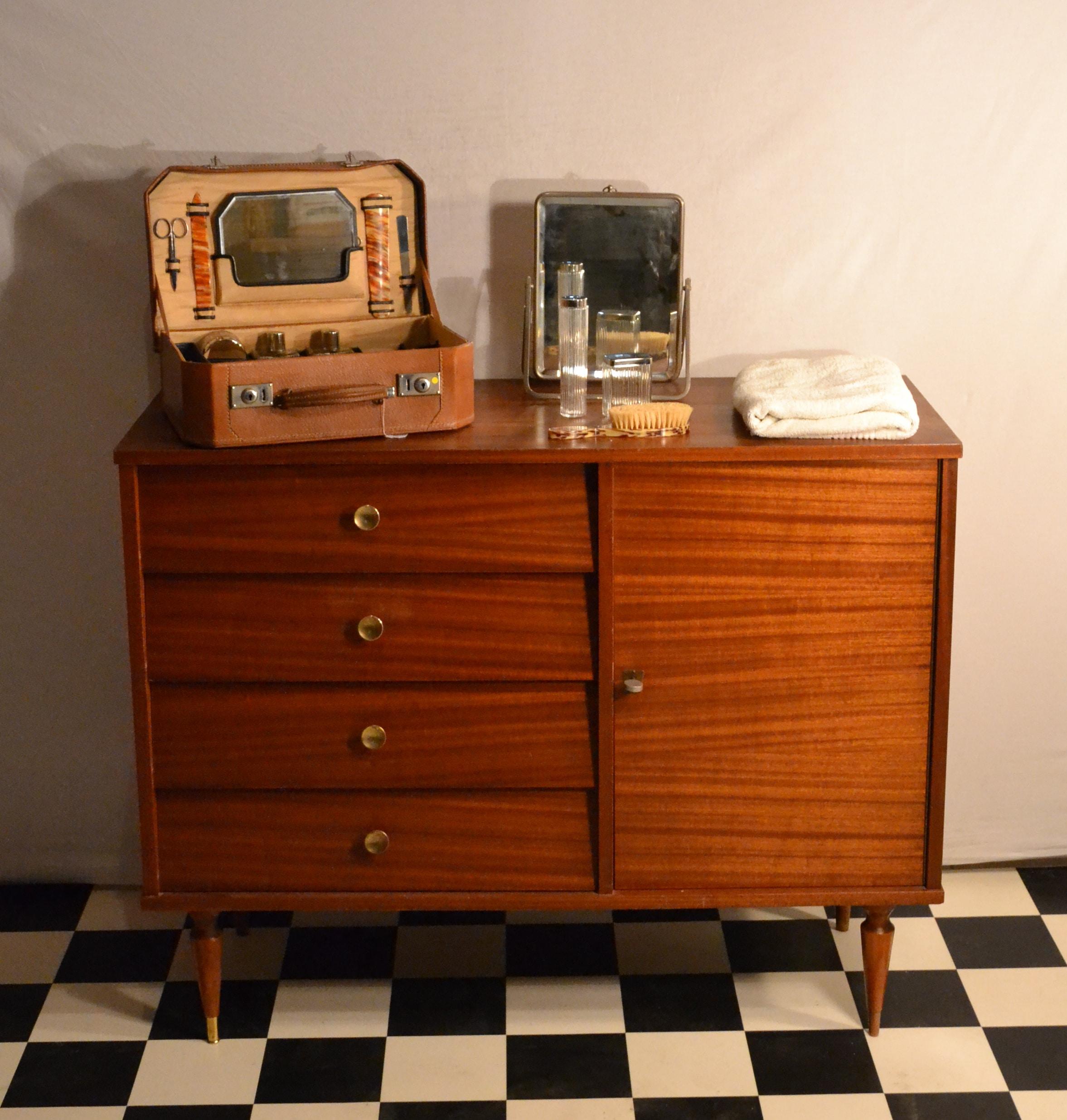 Meuble Tv Vintage Solde : La Chambre, De Meuble Tv Dans Le Salon Ou De Console Dans Une Entrée