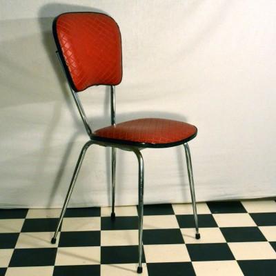 Chaise rouge des années 60