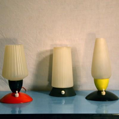 Petites lampes chics en plastique