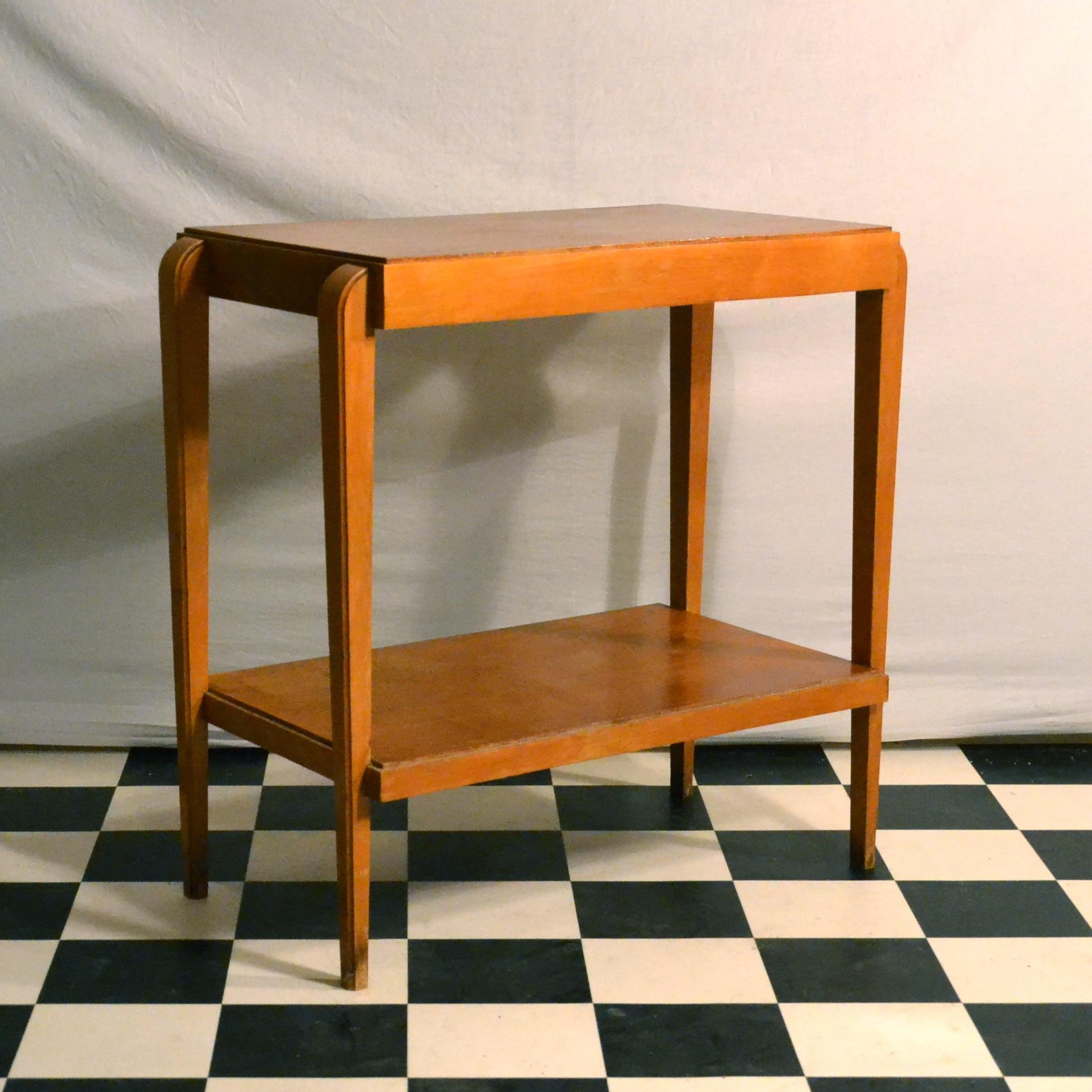 Petite table d appoint en bois blond bindies for Petite table en bois