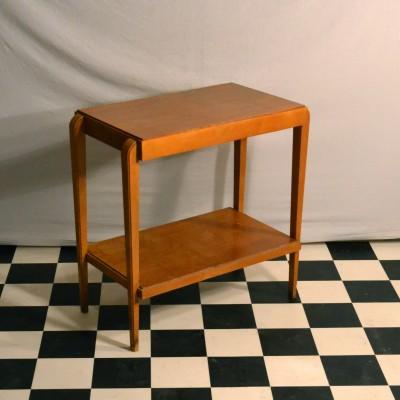 Petite table d'appoint en bois blond