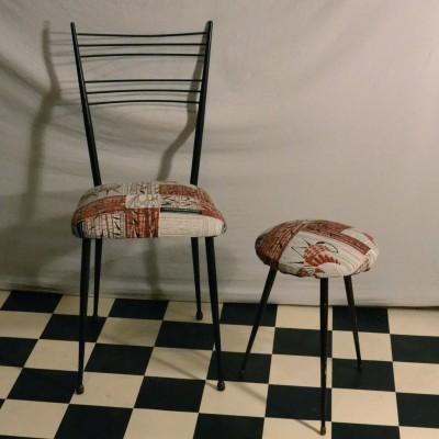 Chaise et tabouret assortis