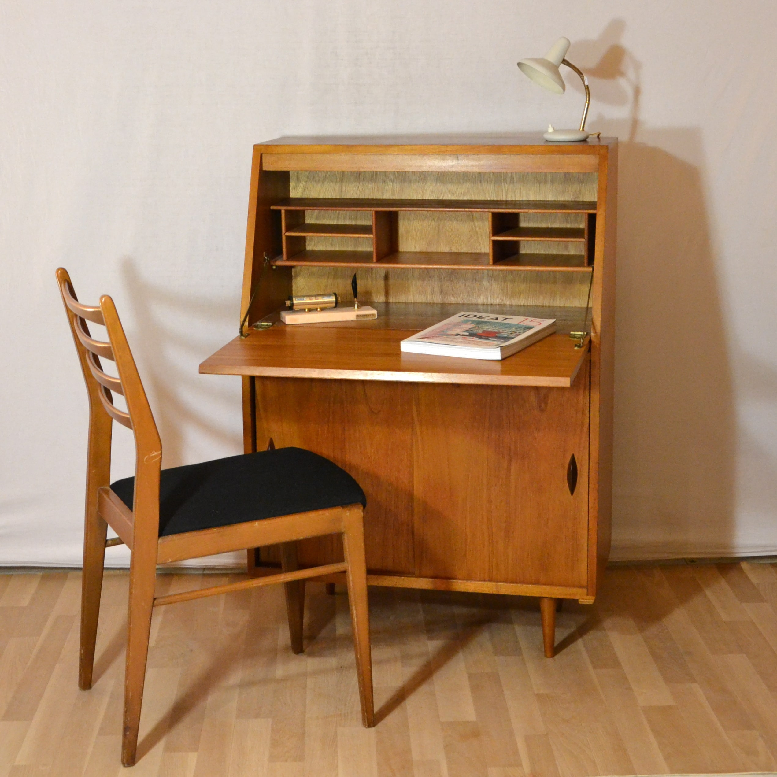 petit secretaire table de lit