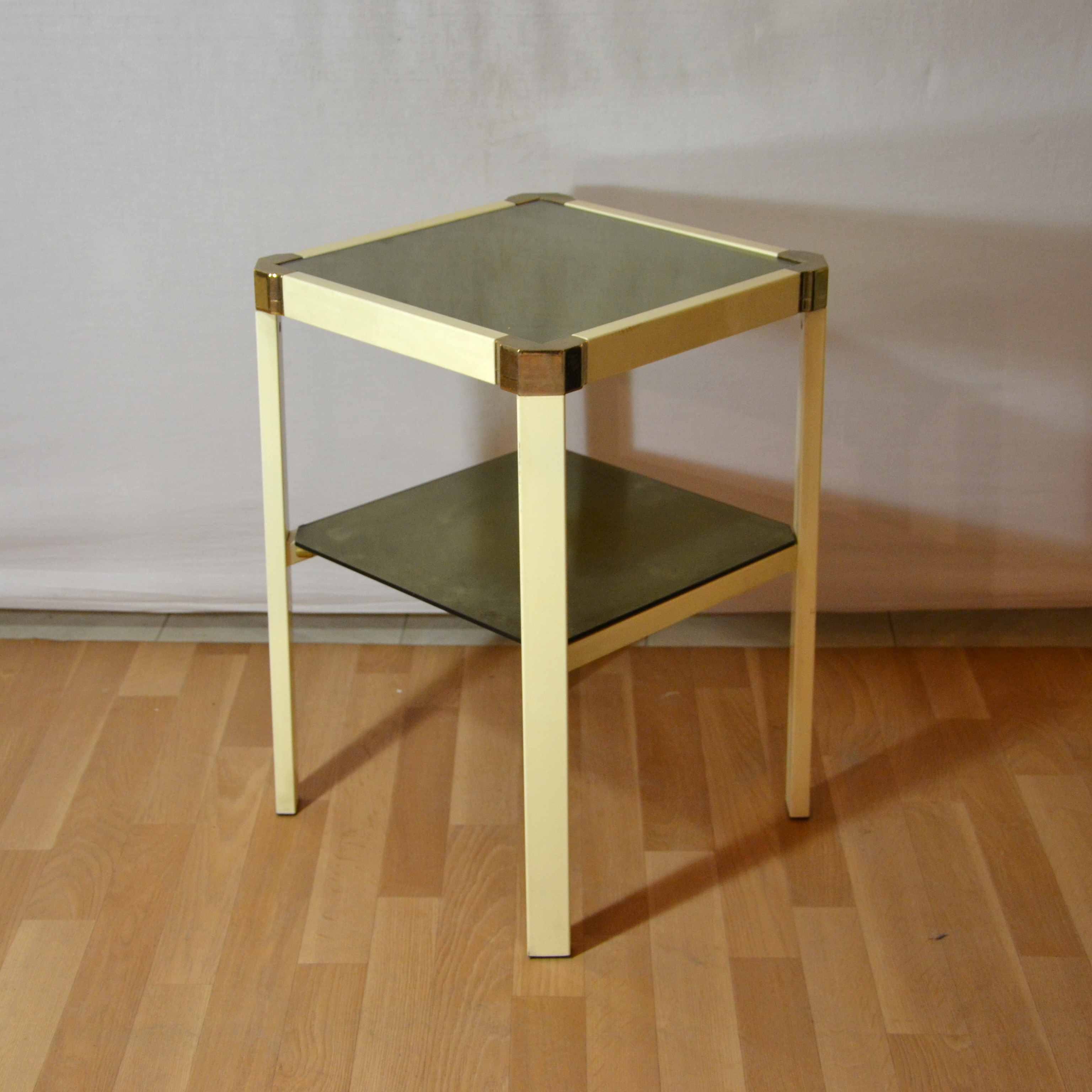 Petites tables d appoint 70 s bindies for Table d appoint miroir