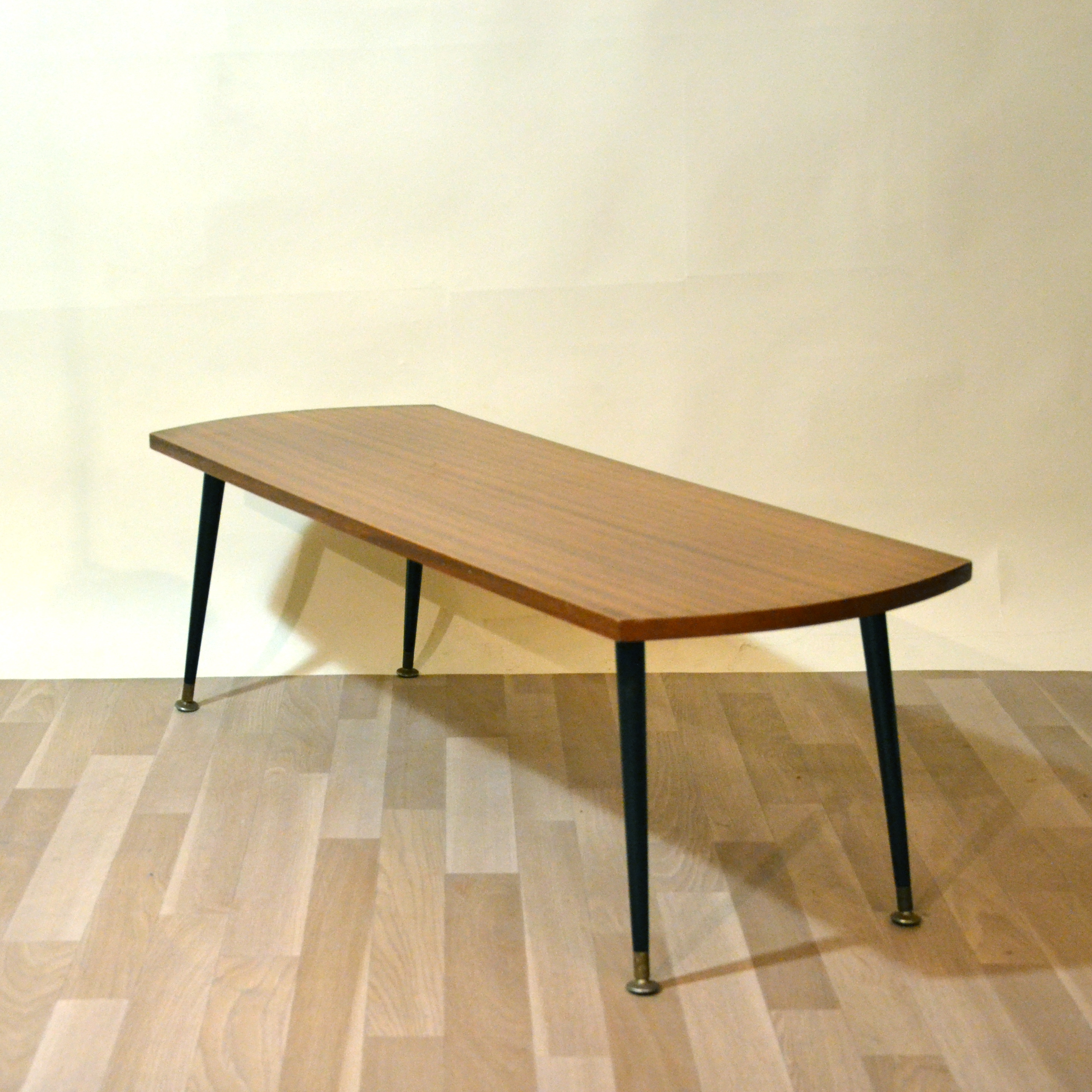 Table basse scandinave fine bindies for Table basse scandinave salon