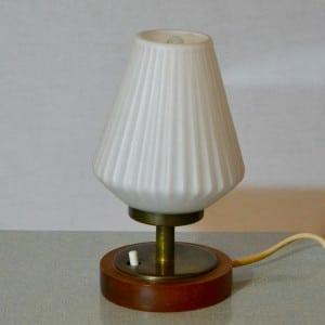 Petite lampe de chevet bindies - Fabriquer une lampe de chevet en bois ...