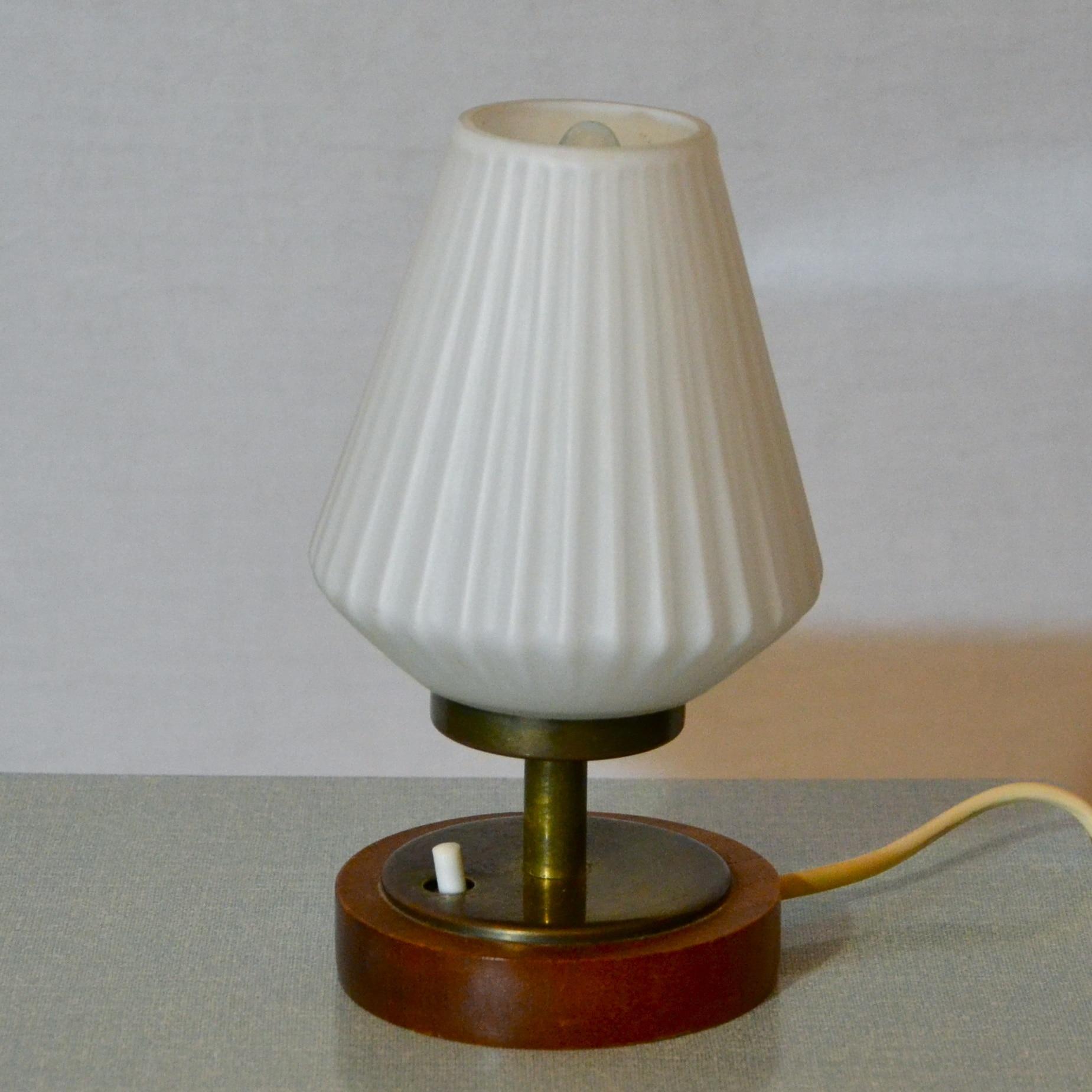 Petite lampe de chevet bindies for Petite lampe de chevet