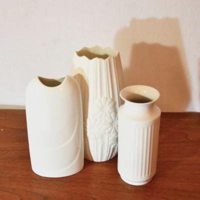 Série de 3 petits vases blancs