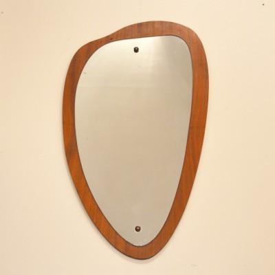 Petit miroir scandinave de forme libre