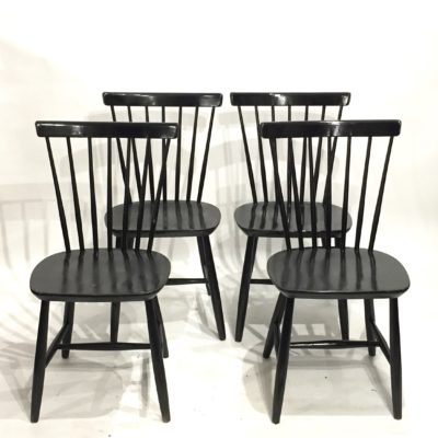 Série de 4 chaises scandinaves noires