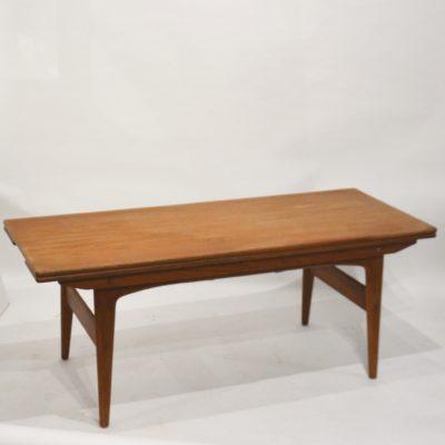Table basse métamorphique danoise