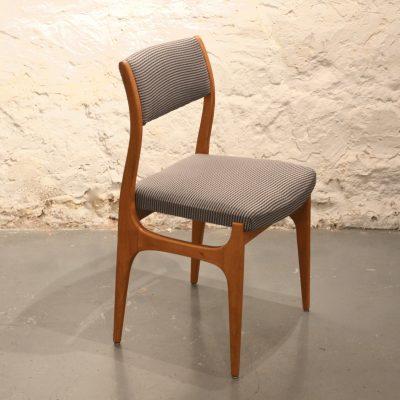 Chaise française des années 60 retapissée