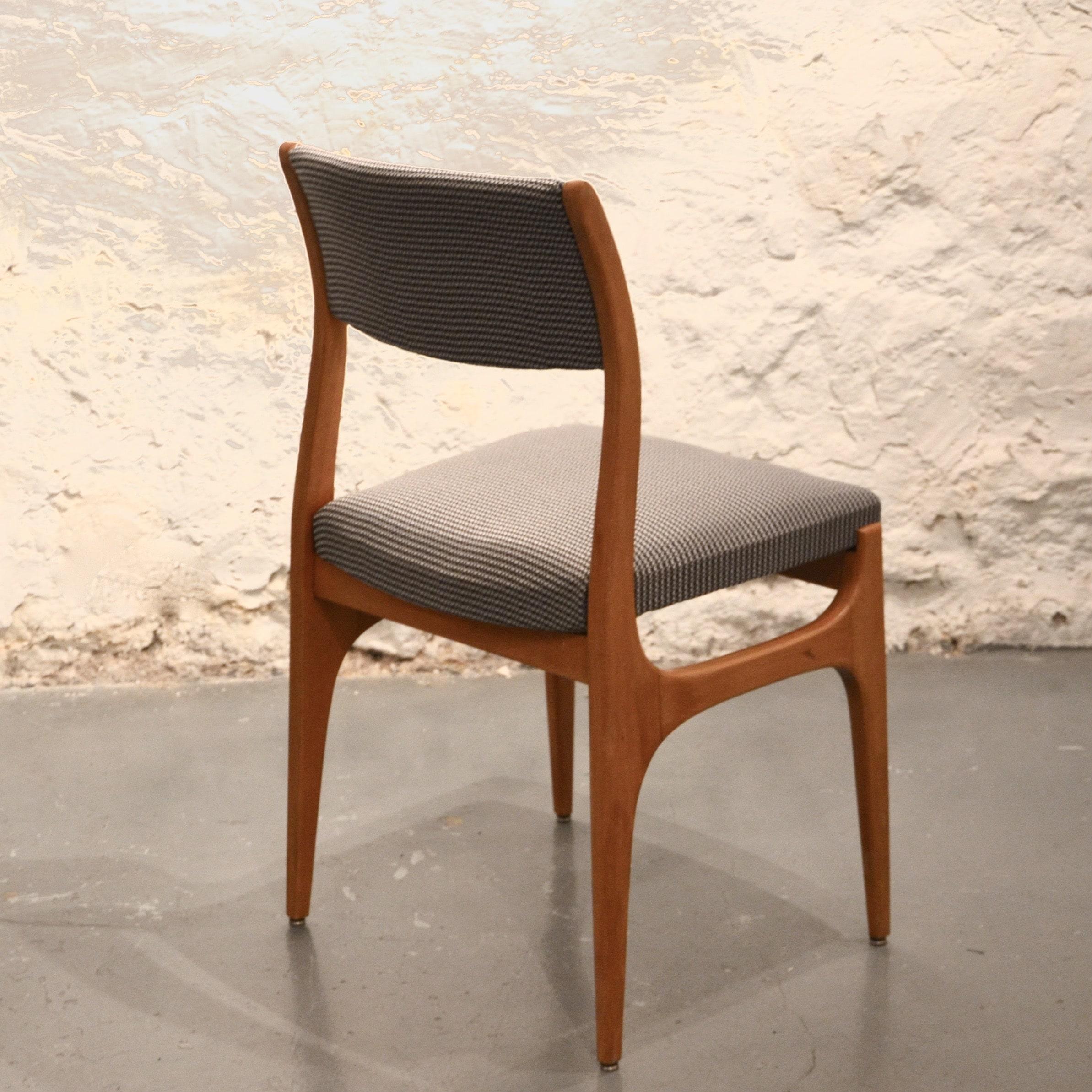 chaise fran aise des ann es 60 retapiss e bindiesbindies. Black Bedroom Furniture Sets. Home Design Ideas