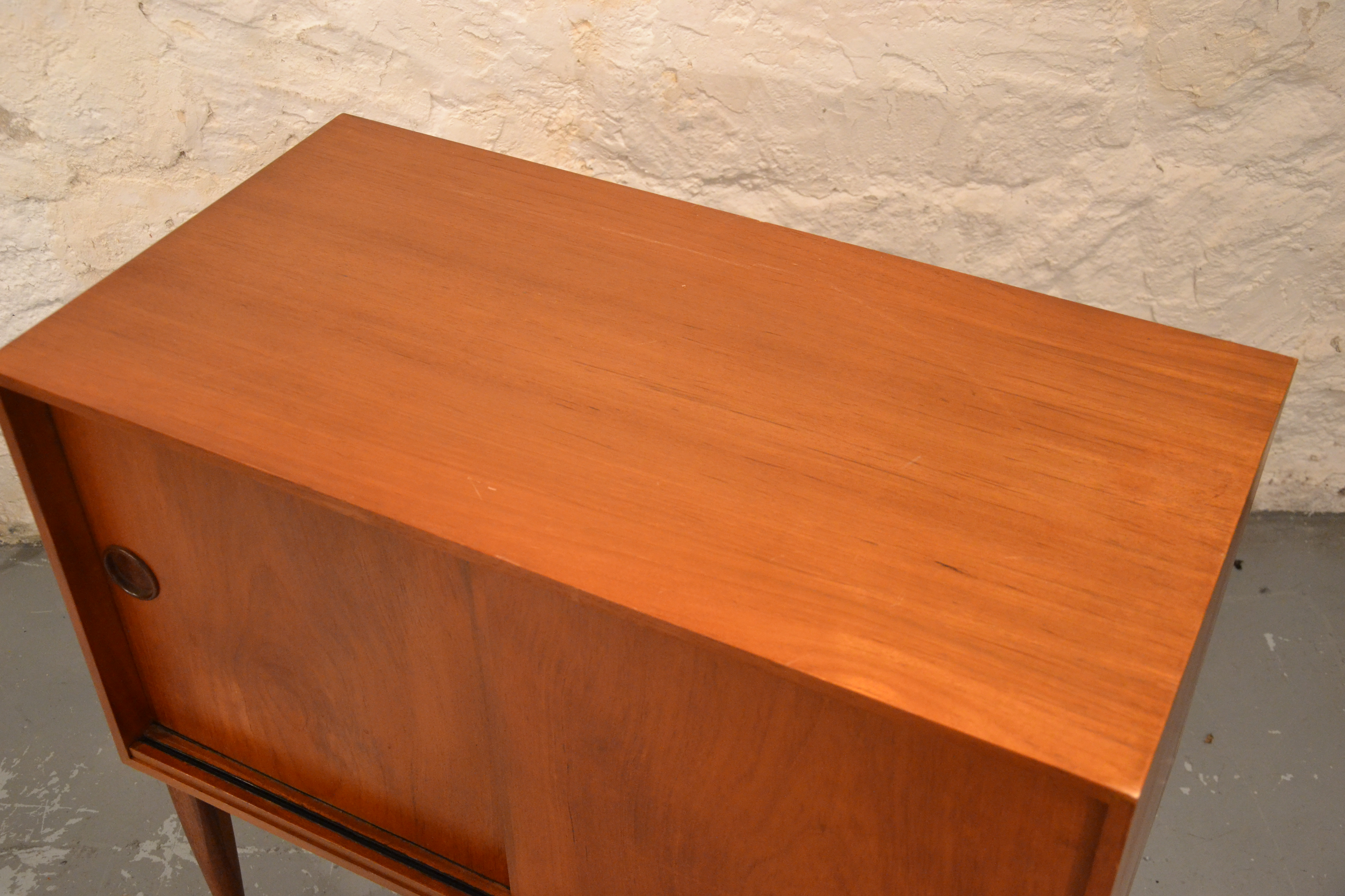 petit buffet rangement scandinave bindies. Black Bedroom Furniture Sets. Home Design Ideas