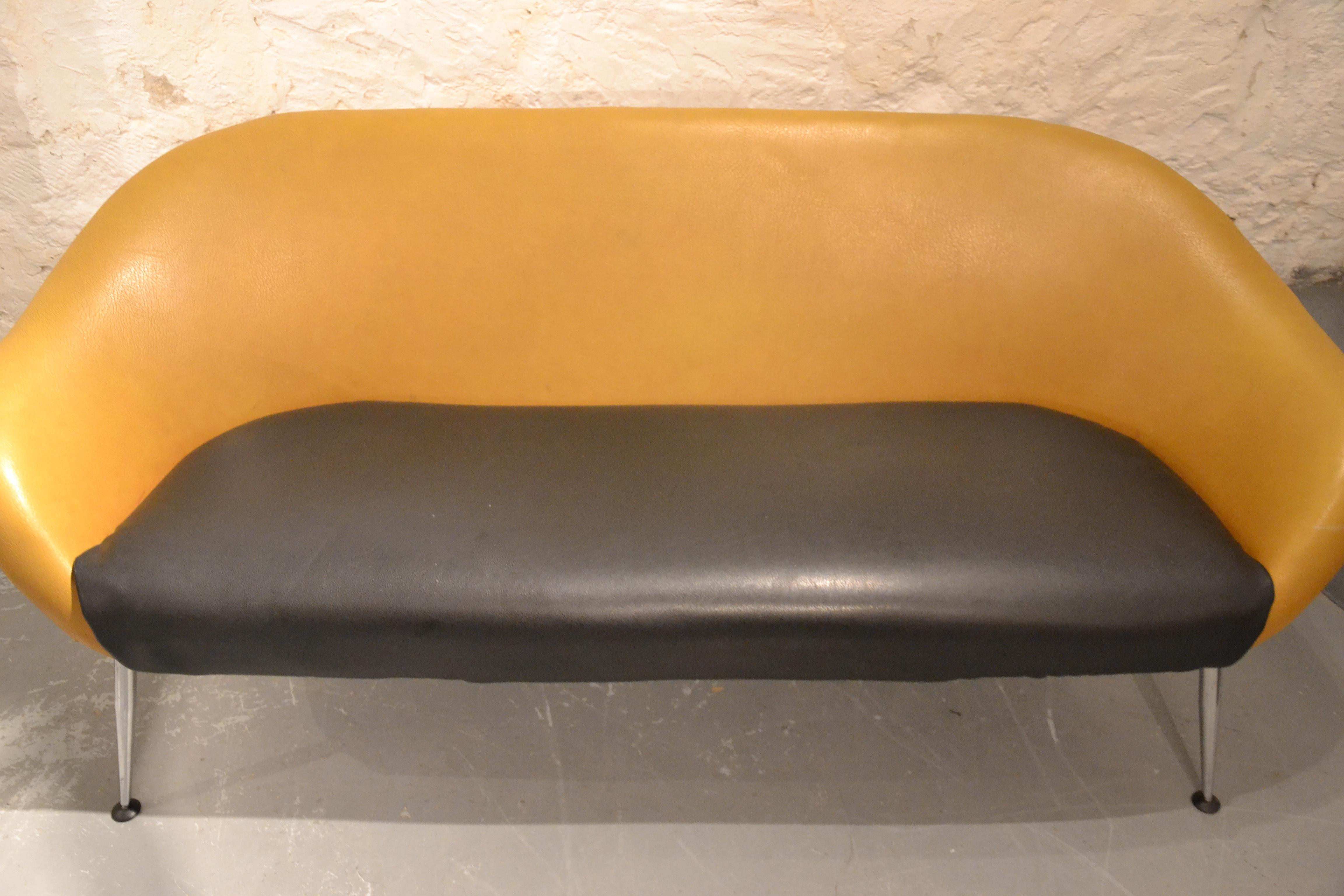 canap egg des ann es 60 bindiesbindies. Black Bedroom Furniture Sets. Home Design Ideas