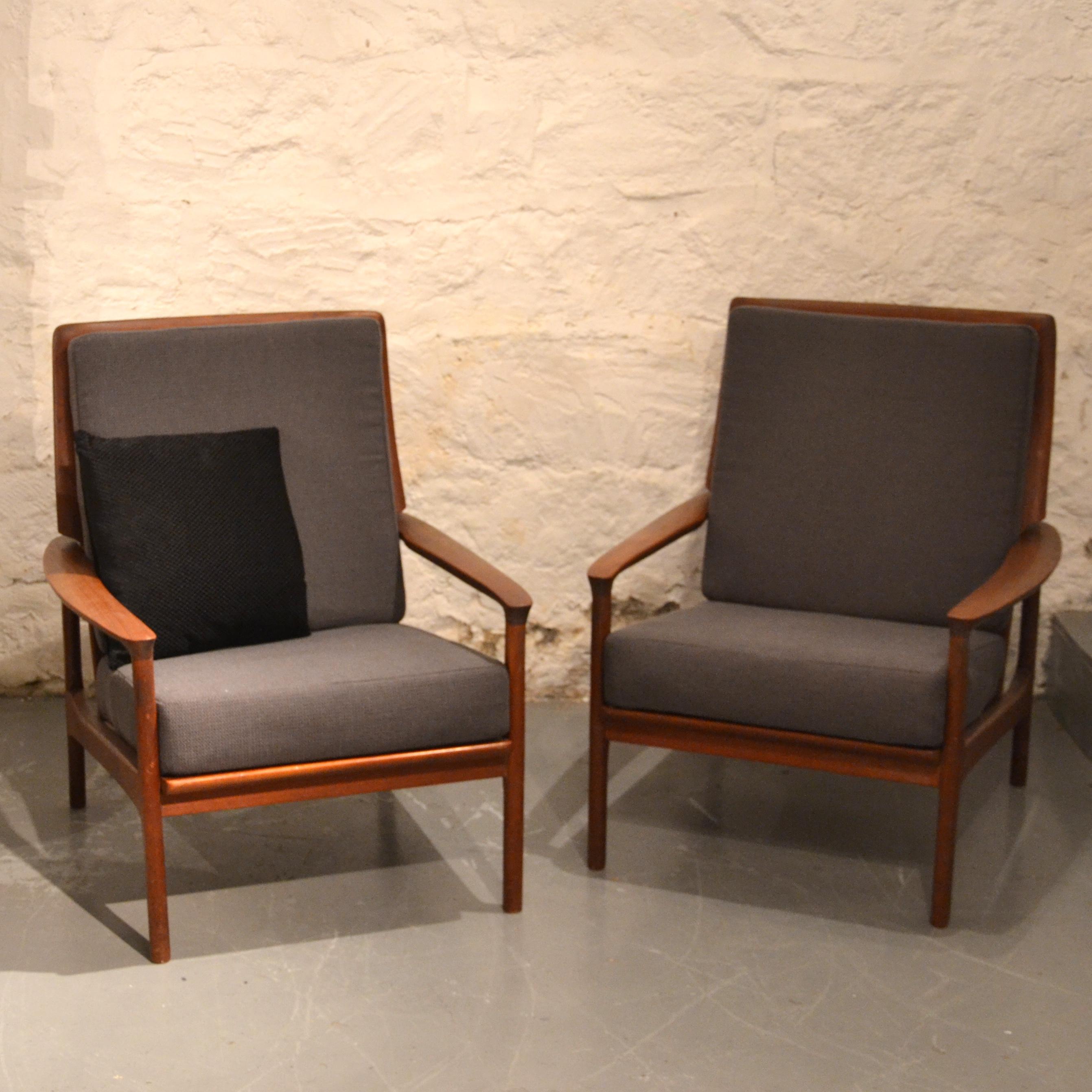 paire de fauteuils scandinaves bindiesbindies. Black Bedroom Furniture Sets. Home Design Ideas
