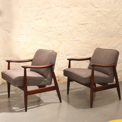 Paire de fauteuils années 60