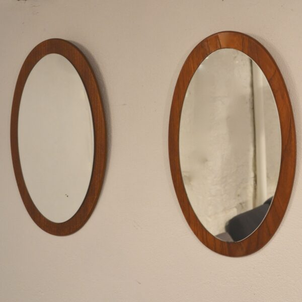 Petits miroirs scandinaves ovales