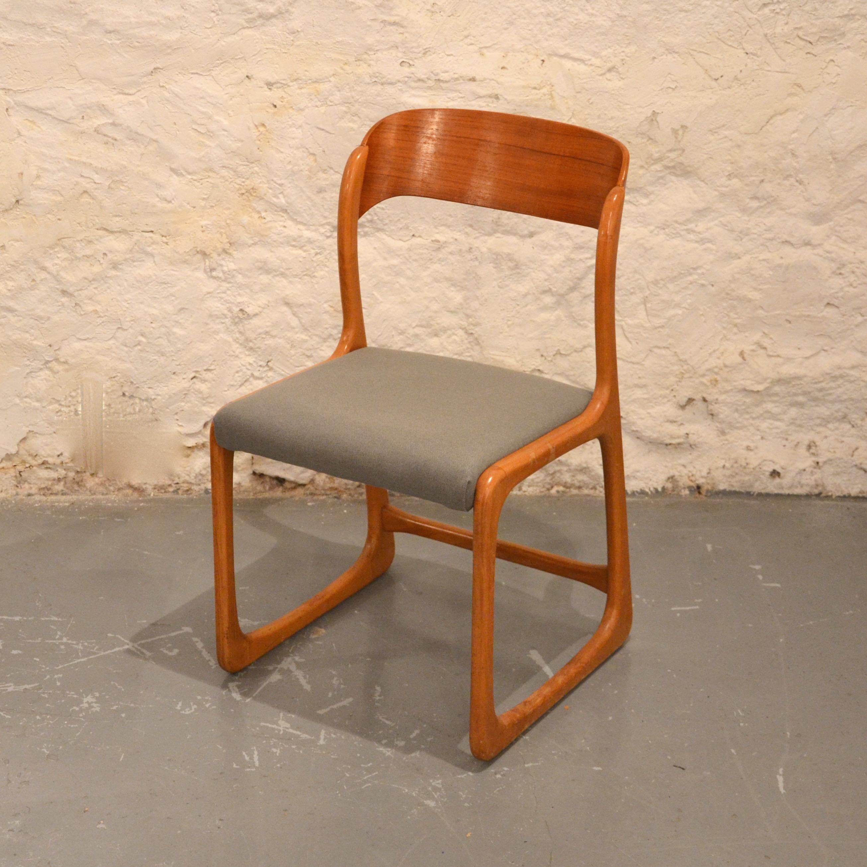chaise traineau baumann retapiss e bindiesbindies. Black Bedroom Furniture Sets. Home Design Ideas