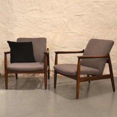 Paire de fauteuils polonais gris chiné