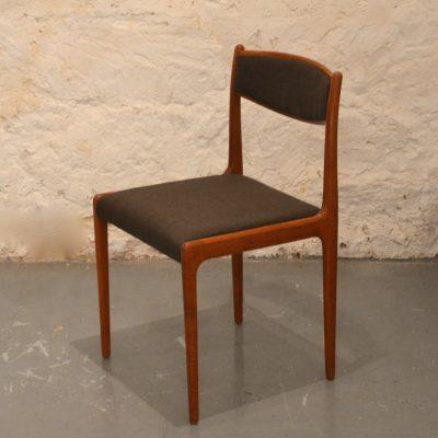 Paire de chaises scandinaves retapissées