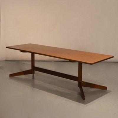 Table basse de style scandinave années 60