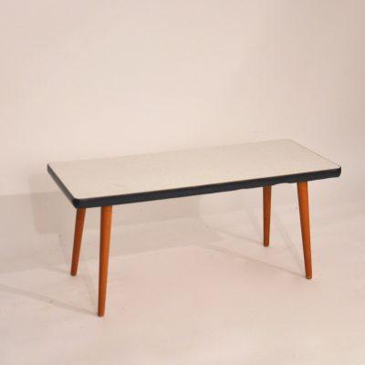 Petite table d'appoint années 60