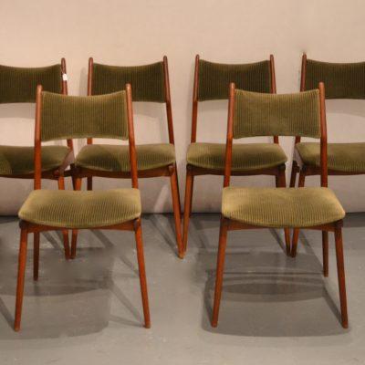 Série de 6 chaises scandinaves en teck et velours