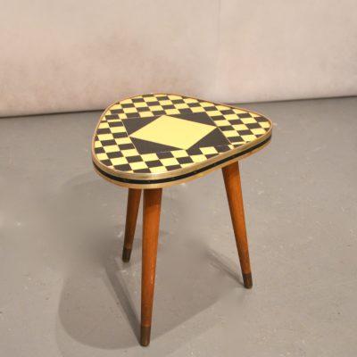 Petite table tripode en céramique