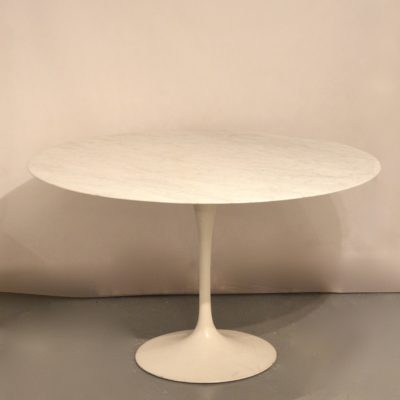 Table Tulipe de E. Saarinen ed. Knoll International