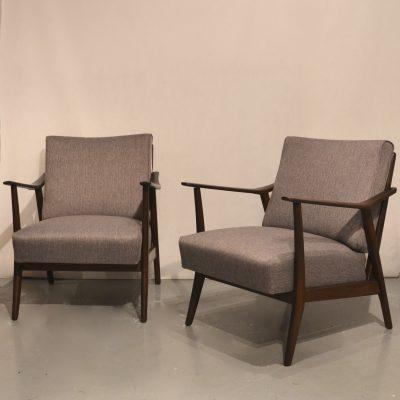Paire de fauteuils polonais retapissés