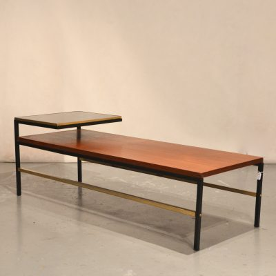 Table basse moderniste