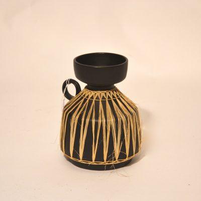 Vase céramique et rafia