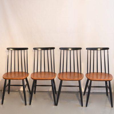 Série de 4 chaises Fanett de Tapiovaara