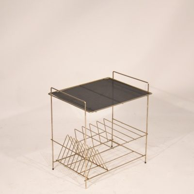 Petite table d'appoint range-disques