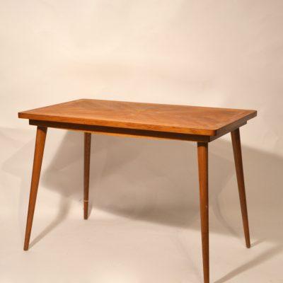 Table basse années 60 en bois blond