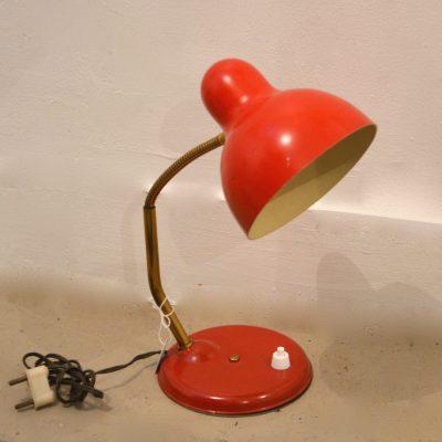 Petite lampe à poser rouge