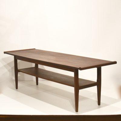 Table basse scandinave en teck foncé