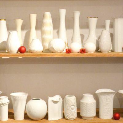Vases en porcelaine blanche