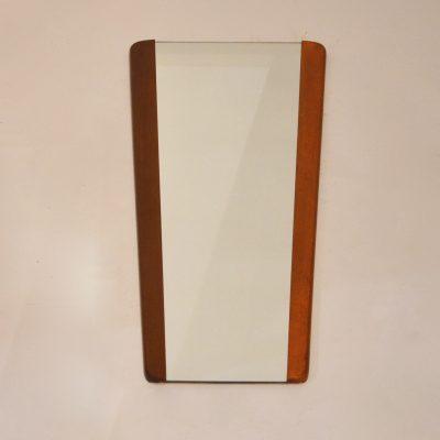Miroir scandinave bordé de teck