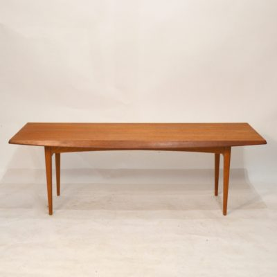 Table basse scandinave en teck miel