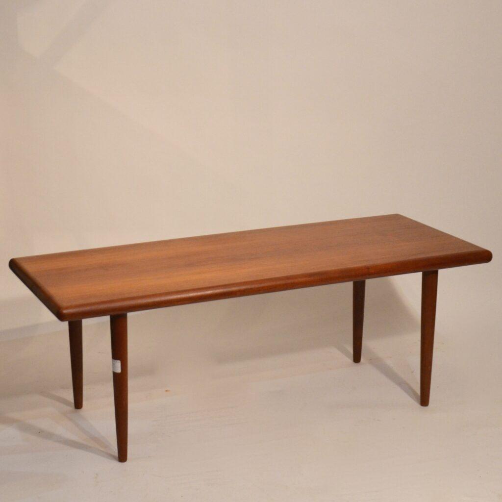 grande table basse danoise silkeborg bindiesbindies. Black Bedroom Furniture Sets. Home Design Ideas