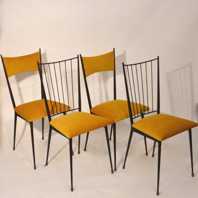 Paires de chaises Colette Gueden jaunes