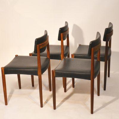 Série de 4 chaises scandinaves skai noir