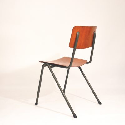 Chaise d'école hollandaise