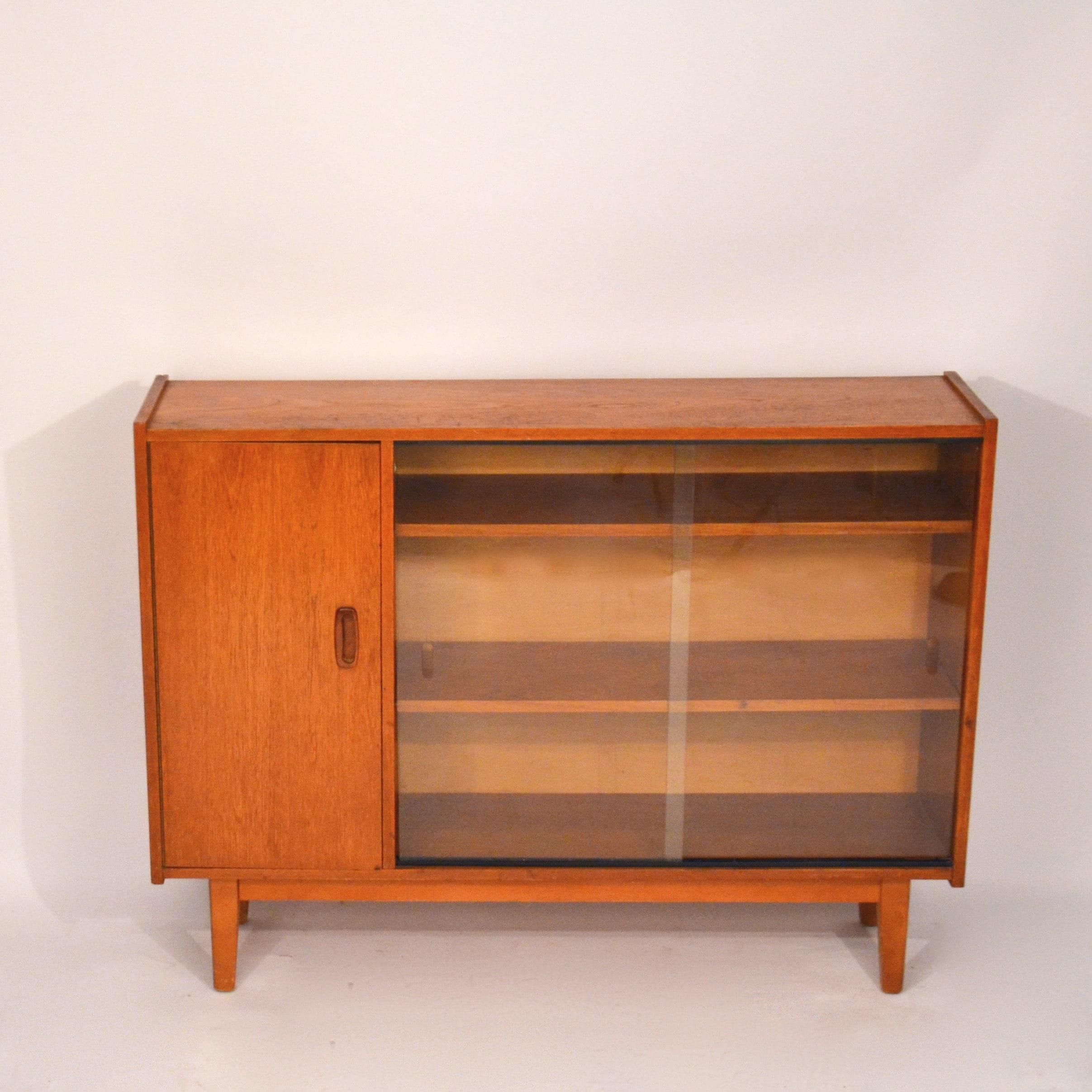 petite biblioth que vitrine en teck bindiesbindies. Black Bedroom Furniture Sets. Home Design Ideas