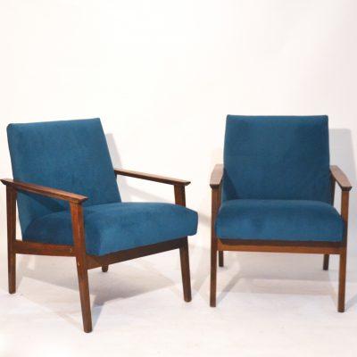 Paire de fauteuils tchèques retapissés