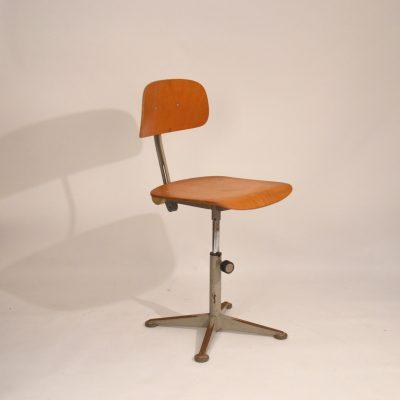Chaise d'atelier Friso Kramer 1963