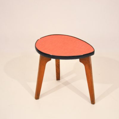 Mini table tripode triangle rouge