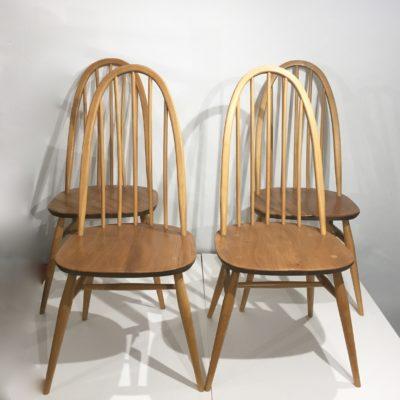 Série de 4 chaises Ercol à grand dossier